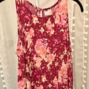 Old Navy burgundy Floral high low tank